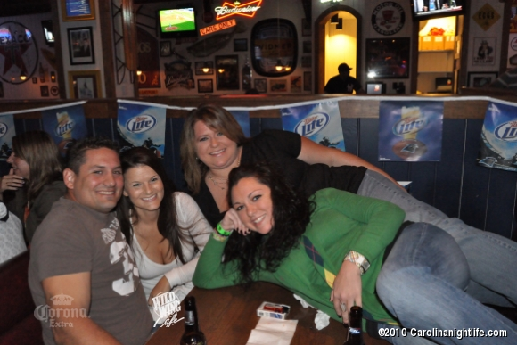 Wild Nights at Wild Wing Cafe - Photo #242760