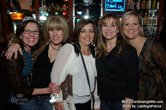 Howl at the Moon Friday night - Photo #453931
